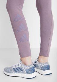 adidas Performance - ESSENTIALS SPORT INSPIRED COTTON LEGGINGS - Medias - purple - 4