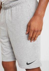 Nike Performance - DRY SHORT - Korte broeken - dark grey heather/black - 4