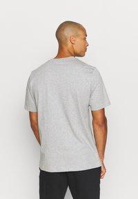 adidas Performance - ESSENTIALS - T-shirt basic - medium grey heather - 2