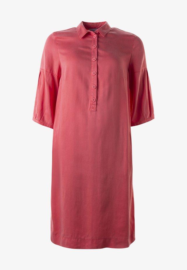 Skjortklänning - gerania