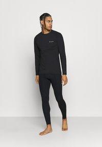 Columbia - OMNI HEAT CREW - Unterhemd/-shirt - black - 1