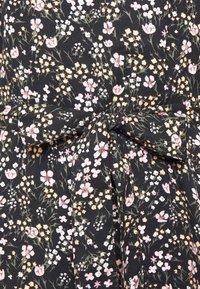 ONLY - ONLRIKKA DRESS - Kjole - black - 6