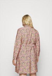 Vero Moda Curve - VMELLIE SHORT DRESS - Shirt dress - geranium pink - 2