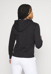 Champion - HOODED - Jersey con capucha - black - 2