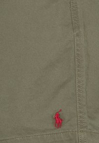 Polo Ralph Lauren - 6-INCH POLO PREPSTER TWILL SHORT - Shorts - expedition olive - 7