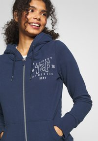 Superdry - TRACK FIELD ZIPHOOD - Hettejakke - navy - 4