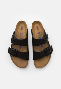 Birkenstock - ARIZONA SOFT FOOTBED UNISEX - Klapki - black - 3