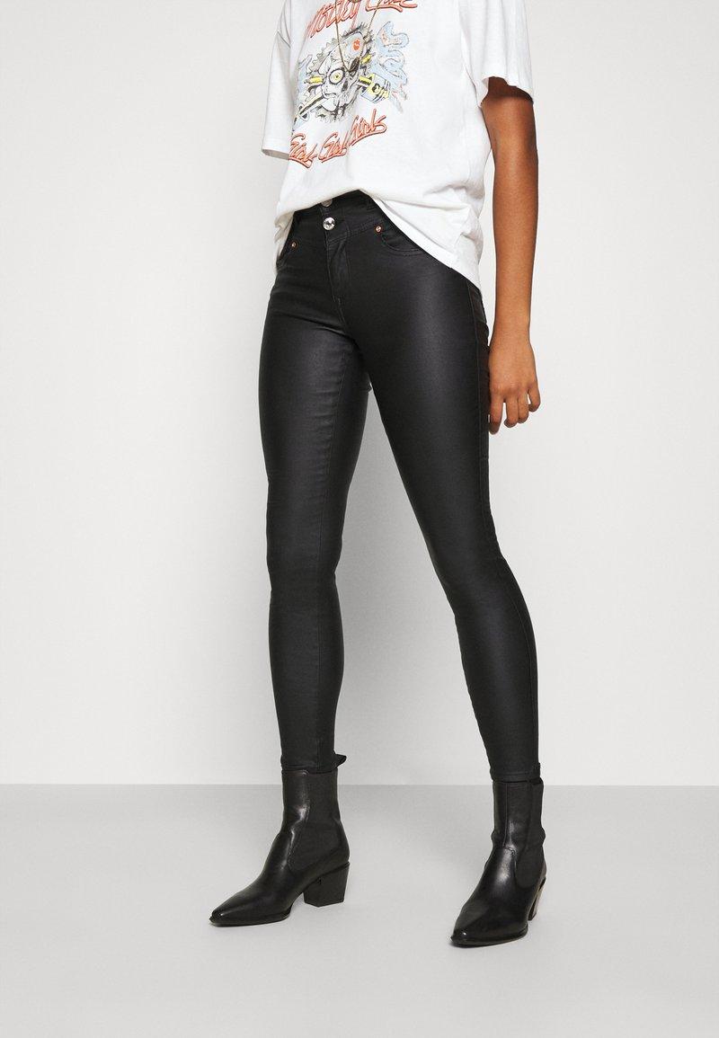 ONLY - ONLCHRISSY SKINNY COAT  - Jeans Skinny Fit - black