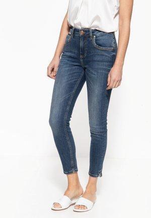 MIT CAPRI-SCHLITZEN SUN - Slim fit jeans - dunkelblau