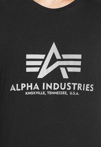 Alpha Industries - BASIC REFLECTIVE - Printtipaita - black - 5