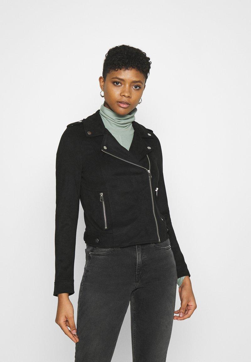 Vero Moda - VMBOOSTBIKER SHORT JACKET - Faux leather jacket - black