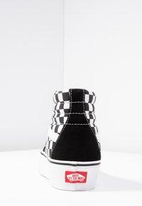 Vans - SK8 PLATFORM 2.0 - Vysoké tenisky - black - 5
