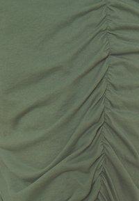GAP Maternity - SHIRRED - Jerseyjurk - cool olive - 2