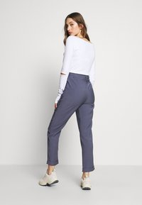 NA-KD - DARTED CROPPED - Pantalones - blue - 2