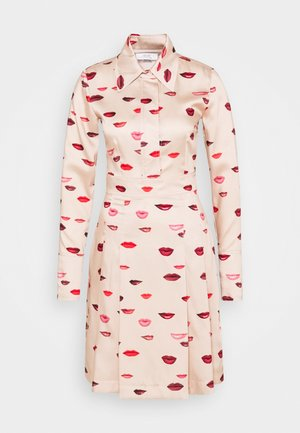 LIPS PRINT DRESS - Vestito estivo - almond beige