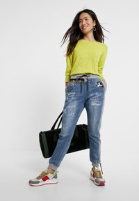 Desigual - ROMA - Jeans Tapered Fit - blue - 1