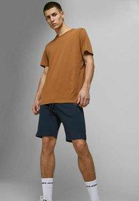 Jack & Jones - 2 PACK - Shorts - olive night - 4