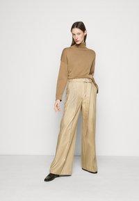 WEEKEND MaxMara - ALACRE - Kalhoty - kamel - 1