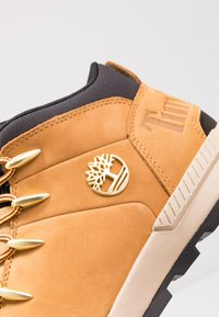 Timberland - SPRINT TREKKER MID - Bottines à lacets - wheat - 5