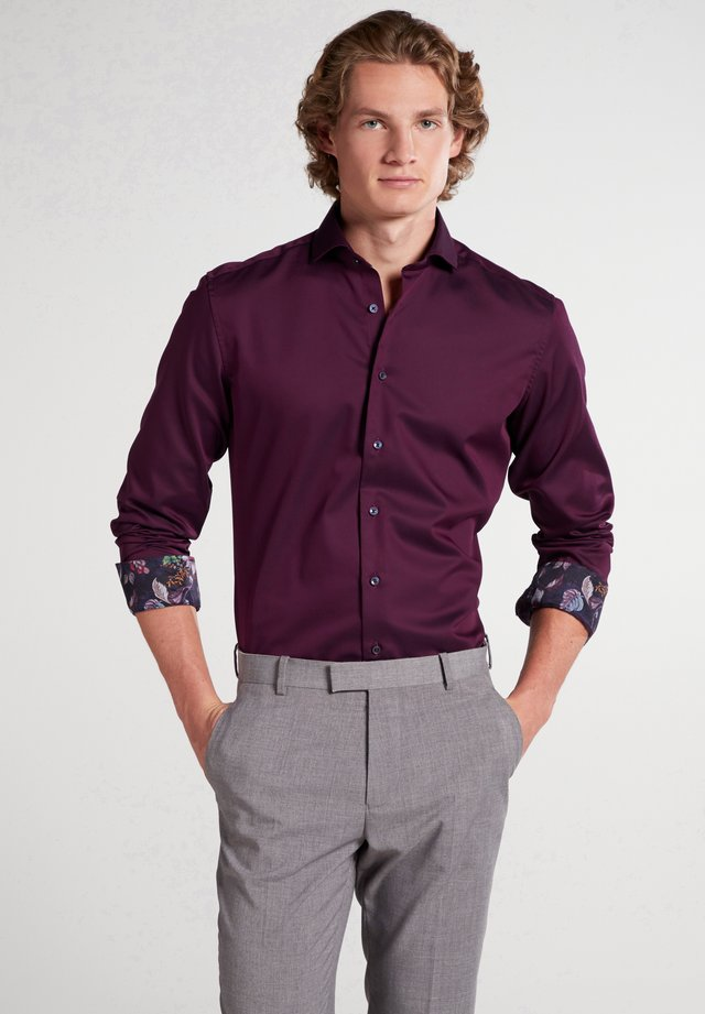 SLIM FIT - Formal shirt - aubergine