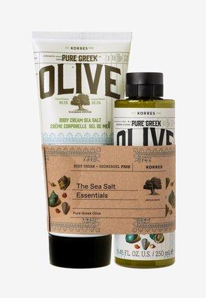 OLIVE & SEA SALT BODY CARE SET - Bad- & bodyset - -