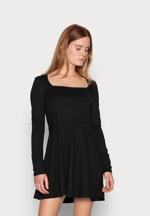 SQUARE NECK DRESS - Sukienka z dżerseju - black