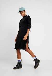 adidas Originals - Vapaa-ajan mekko - black - 2