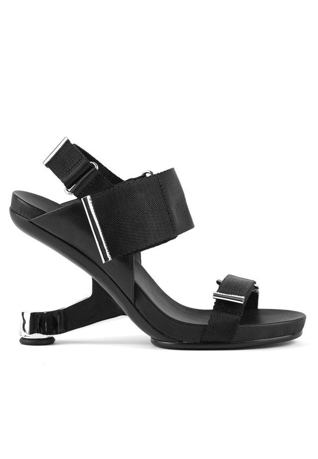 EAMZ RUN - Sandalen met hoge hak - black