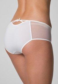 Passionata - MISS JOY SHORTY - Pants - white - 3