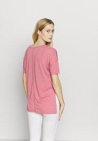Nike Performance - YOGA LAYER - Camiseta básica - desert berry/arctic pink - 2