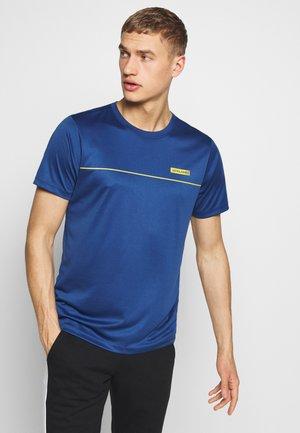 JCOZSS PERFORMANCE TEE - T-Shirt print - navy peony