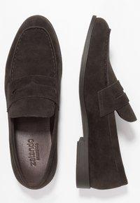 Zalando Essentials - Smart slip-ons - dark brown - 1