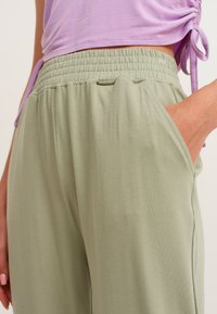 OXXO - Trousers - seagrass - 3