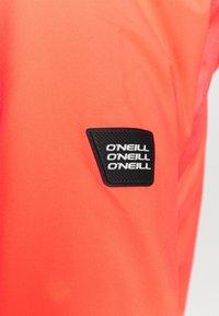 O'Neill - HALITE JACKET - Kurtka snowboardowa - fiery coral - 7
