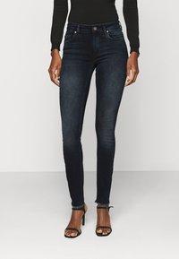 ONLY Tall - ONLBLUSH LIFE RAW - Jeans Skinny Fit - blue black denim - 0