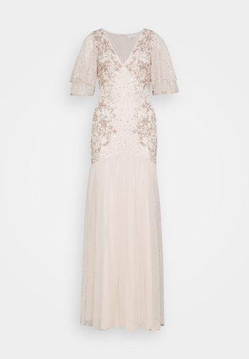 WATERFALL SLEEVE EMBELLISHED DRESS - Vestido de fiesta - pearl pink
