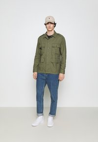 Polo Ralph Lauren - CLASSIC FIT DOBBY UTILITY SHIRT - Shirt - soldier olive - 1
