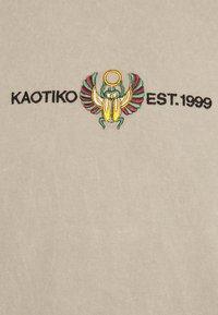 Kaotiko - BEETLE - T-shirt med print - sand - 2