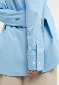 Rika - BLAZE  - Button-down blouse - ocean blue - 5
