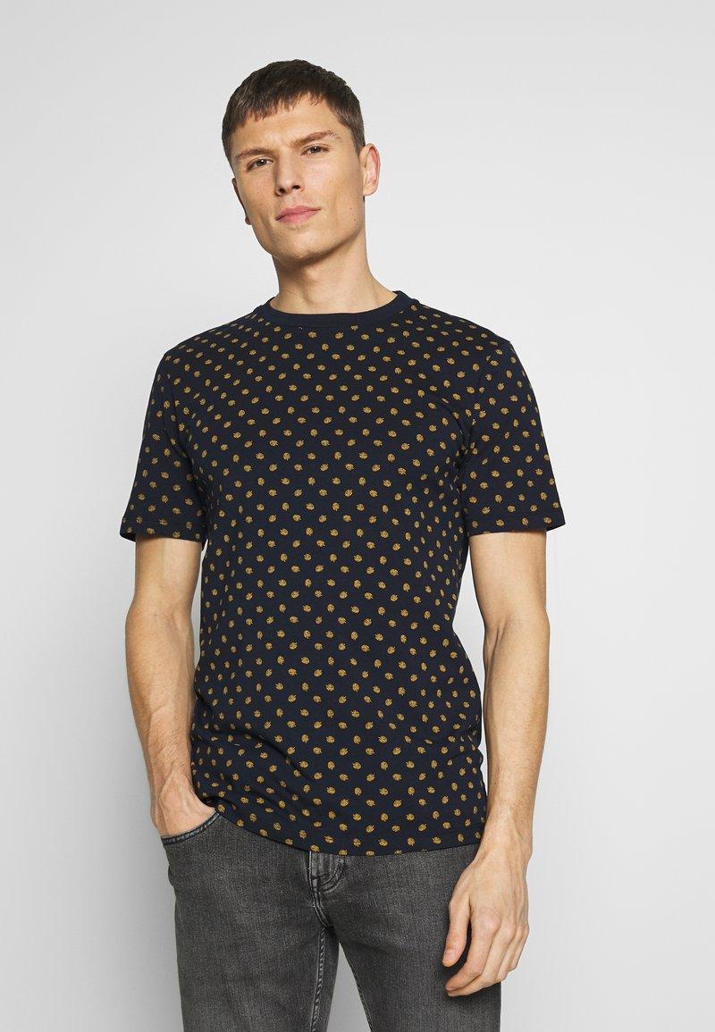 Scotch & Soda - CLASSIC CREWNECK TEE - T-shirt med print - combo