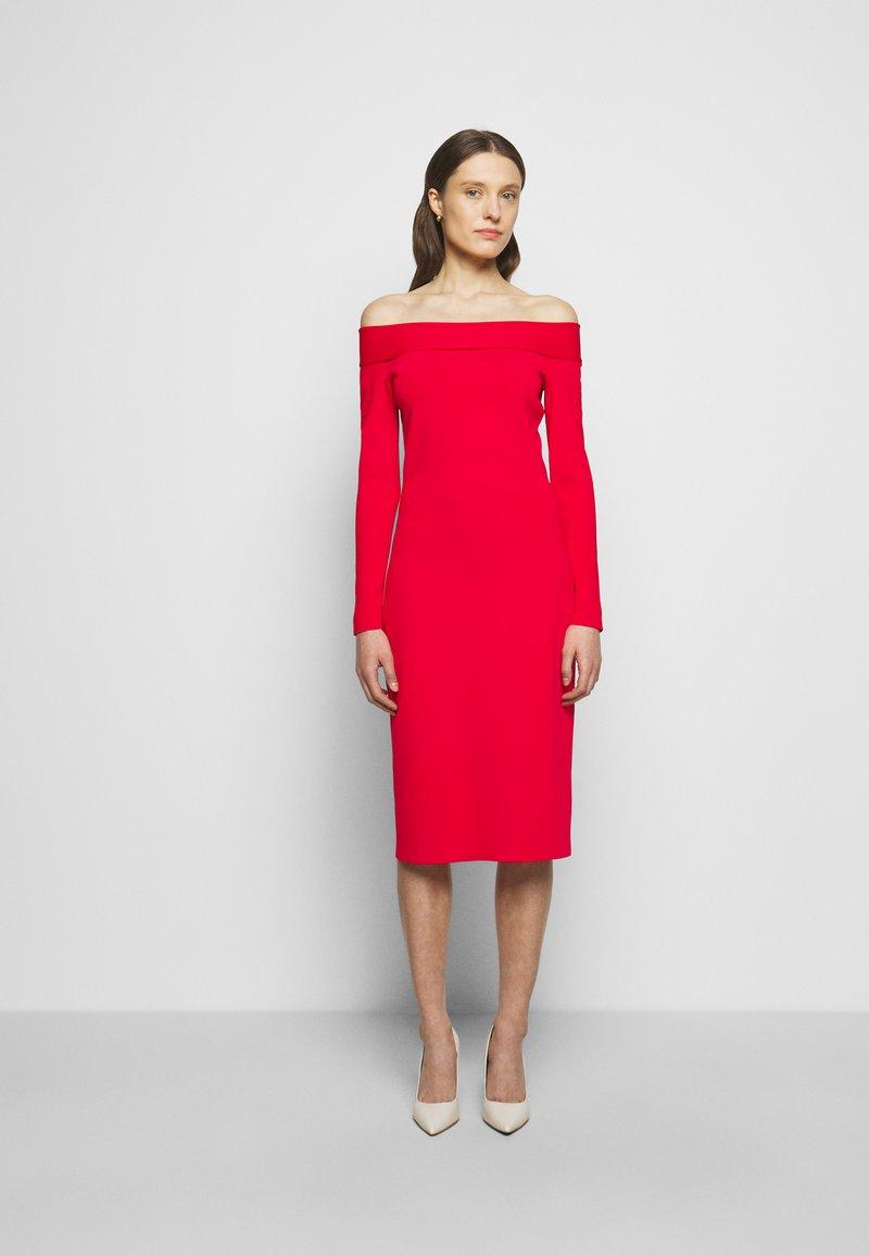 Victoria Beckham - COMPACT SHINE BARDOT FITTED DRESS - Pouzdrové šaty - red