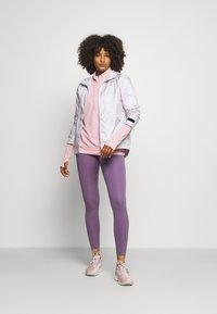 Nike Performance - PACER - Sports shirt - pink glaze/heather/reflective silver - 1