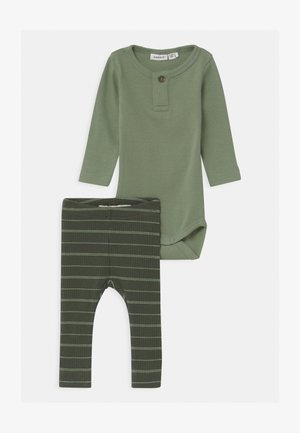 NBMNOBE / NBMNOELLO SET - Leggings - Trousers - hedge green/climbing ivy