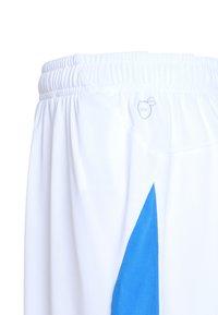Puma - LIGA - Korte sportsbukser - white/electric blue - 2