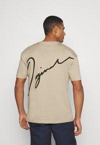 Jack & Jones - JORSCRIPTT TEE CREW NECK - T-Shirt print - crockery - 2