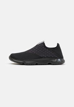 REELAX MOC 5.0 - Zapatillas para caminar - black