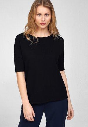 MIT U BOOT AUSSCHNITT - Basic T-shirt - schwarz
