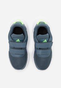 adidas Performance - TENSAUR RUN UNISEX - Obuwie do biegania treningowe - legend blue/royal blue/signal green - 3