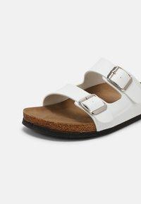 Trendyol - ROSE - Slippers - white - 7