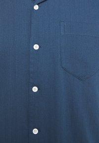 Far Afield - STACHIO SHIRT TEXTURED STRIPE - Shirt - ensign blue - 6